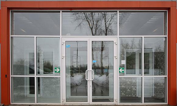 Изготовление пластиковых и алюминиевых дверей