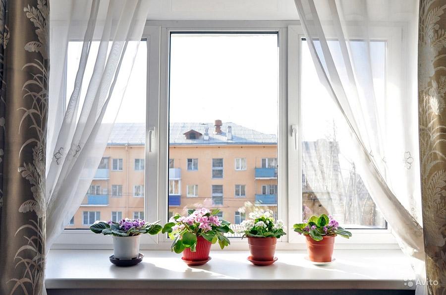 Окно с двумя створками